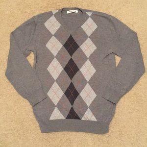 ❤️Men's v-neck argyle sweater. EUC. Old Navy. Med